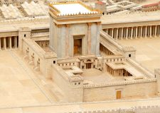 What will happen in Israel when Mashiach comes?