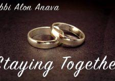 How do we maintain Achdut in marriage?